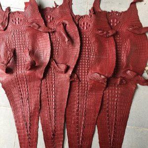 Da Cá Sấu Thuộc Nguyên Tấm Màu Đỏ Rượu