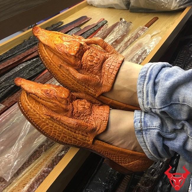 Giày Da Cá Sấu Nguyên Con