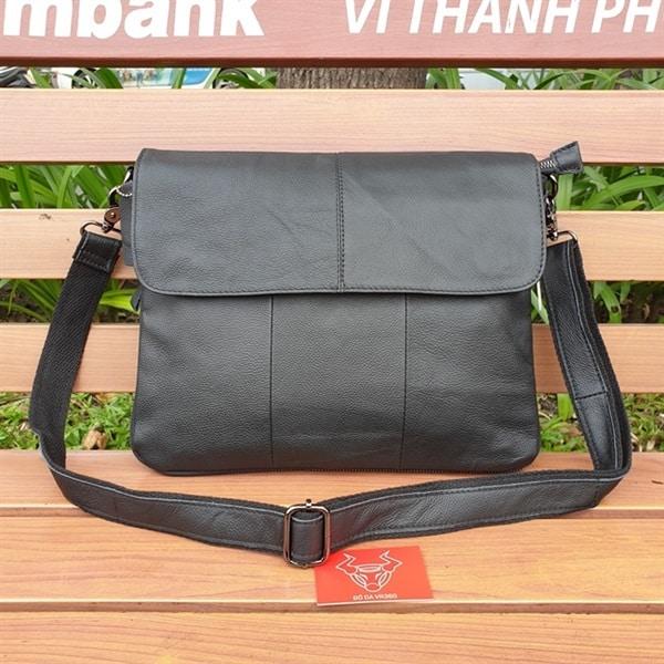 Túi Đeo Chéo Nam Form Ngang Vừa