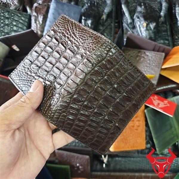 Ví Đựng Card ATM Da Cá Sấu Gai Lưng Màu Nâu Đen VS0201
