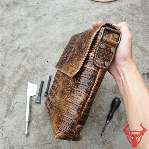 Túi Đeo Chéo Vân Cá Sấu TVCS10-NB