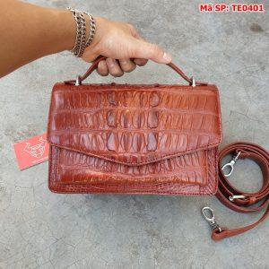 Túi Da Cá Sấu Gai Lưng Phong Thư Màu Nâu Đỏ TE0401